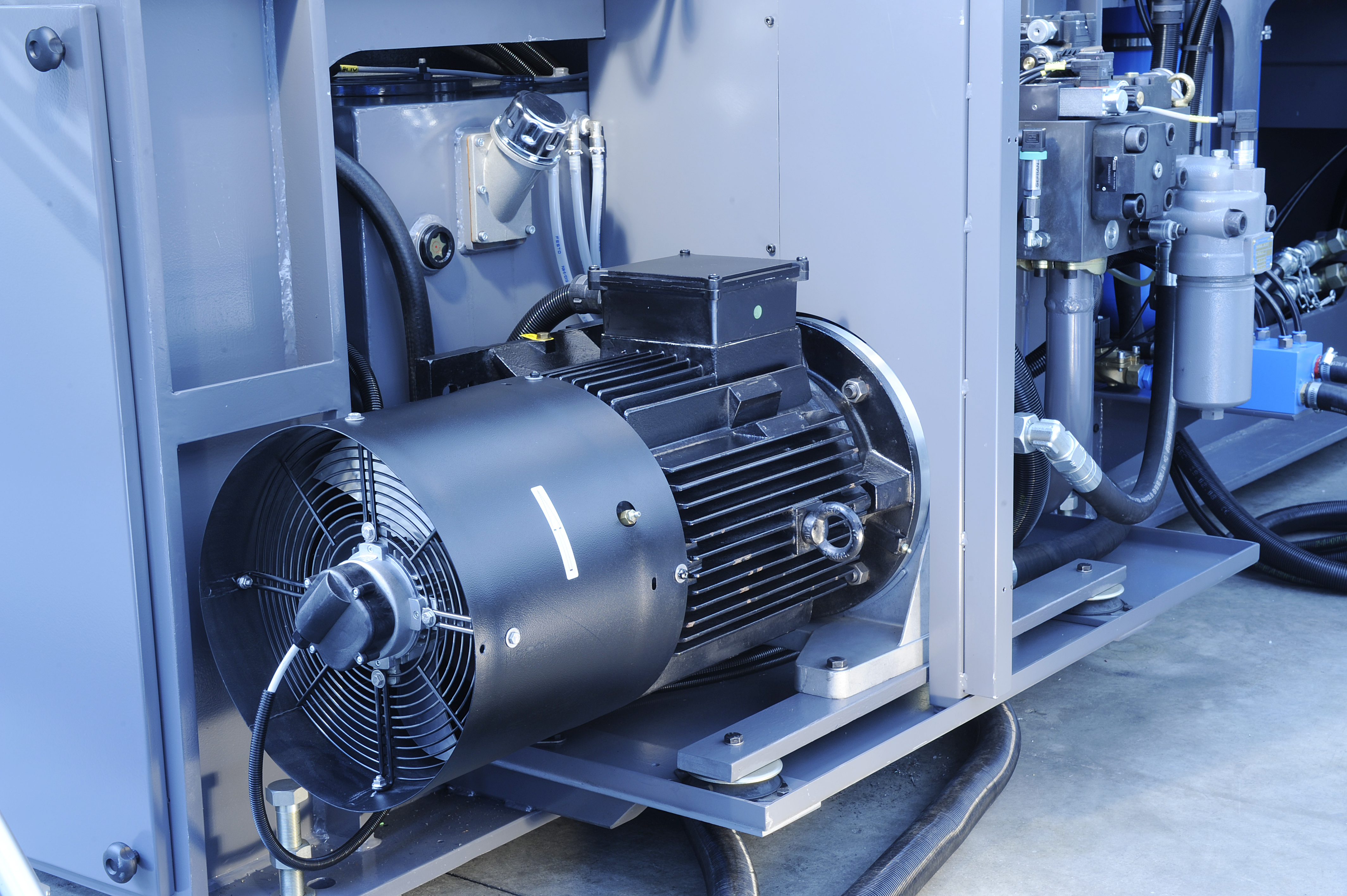 Plastic-Metal-Multipower-Pumpe